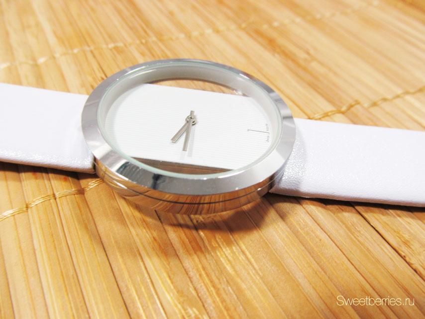 часы наручные женские большие белые
